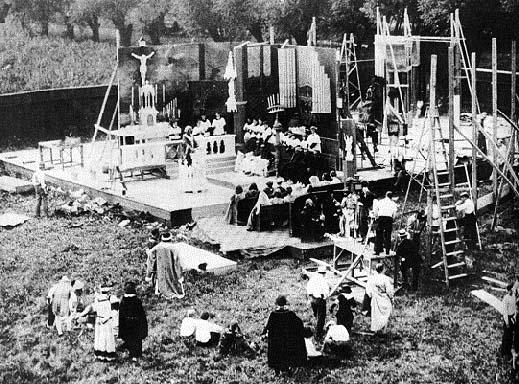 Movie being filmed on the Essenay Lot, 1907