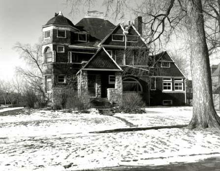 East Elevation, Photo by Bob Thall 1986