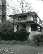 Exterior of 5921 N. Magnolia, photo by Ron Gordon, 1999