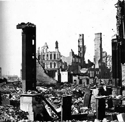 Fire ruins, as seen from the corner of Dearborn and Monroe Streets, 1871