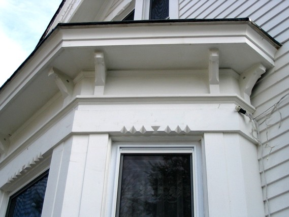 Bay window detail, photo by CCL, 2004