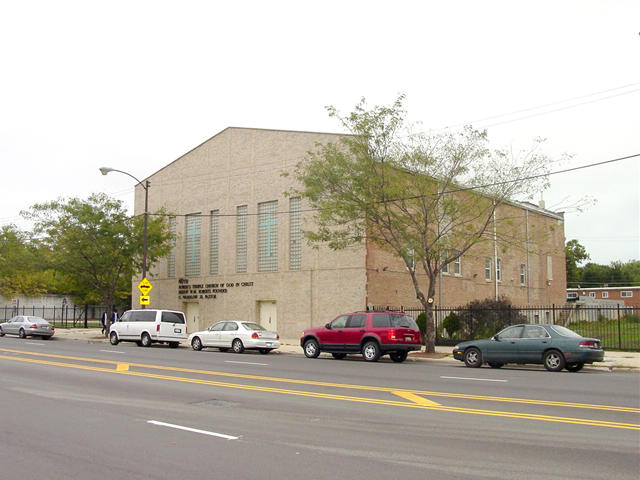 Roberts Temple Church of God in Christ Building, by Terry Tatum, CCL, 2005