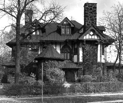 Scales house, 840 Hutchinson, photo by Barbara Crane