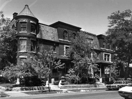 1346-50 E. 49th Street, photo by Barbara Crane