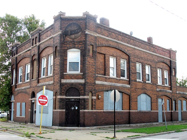 (Former) Schlitz Brewery-Tied House at 11400 S. Front Ave.